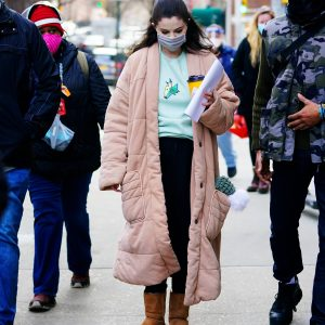 24 February new candids of Selena arriving at her trailer on set of Only Murders In The Building in New York
