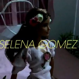"22 February Selena RTed and liked tweet about cute ""De Una Vez"" doll video"