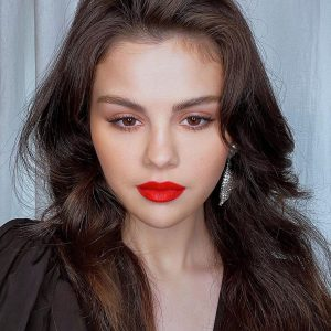 2 March @rarebeauty on Instagram: One of our favorite makeup looks with @selenagomez x @hungvanngo 😍