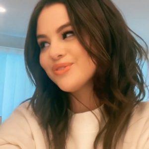 21 July Selena on TikTok: I love you like a love song baby