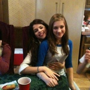 25 September: check out couple of new rare pics of Selena!